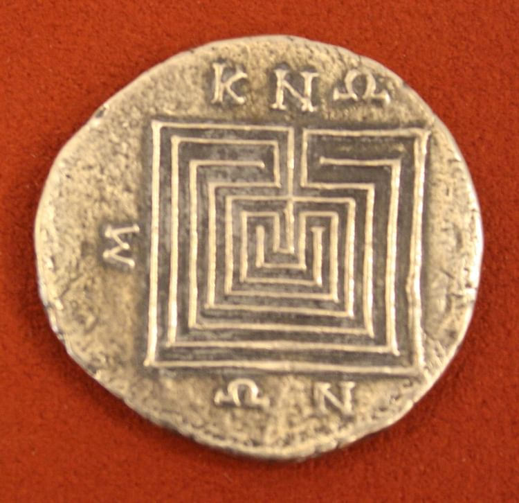 Laberinto, Tetradrachm de plata de Knossos ()