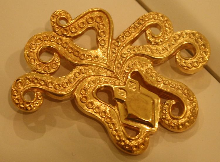 Broche Mycenaean Octopus ()