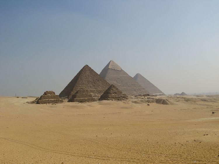 Las pirámides de Giza (dungodung)