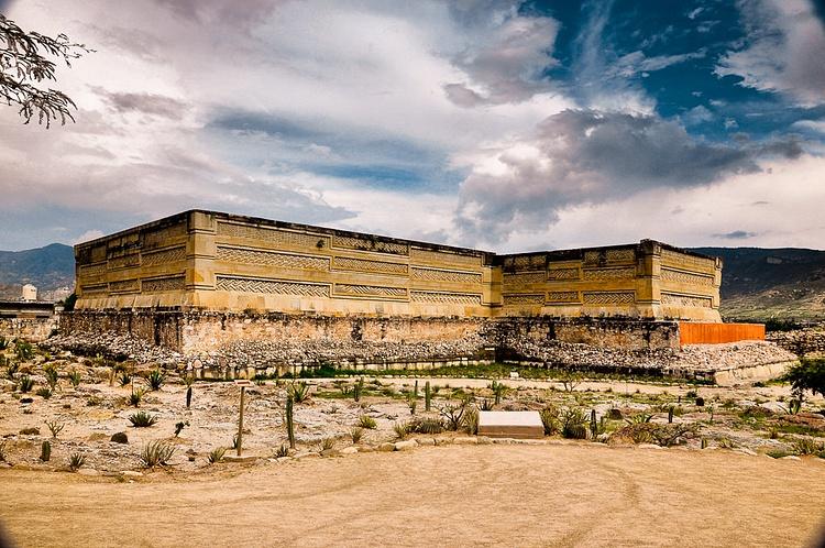 Hall of the Columns, Mitla (Eduardo Robles Pacheco)