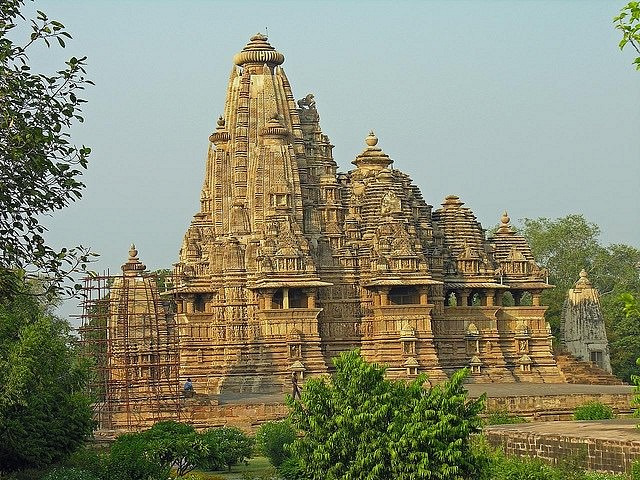 Kandariya Mahadeo Temple, Khajuraho (Dennis Jarvis)