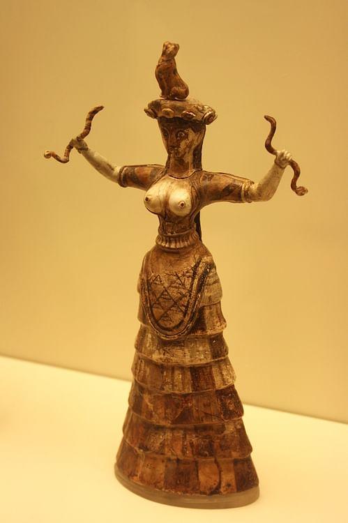 Minoan Snake Goddess, Knossos. ()