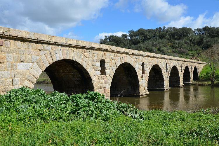 Puente romano, Ponte da Vila Formosa, Portugal (Carole Raddato)