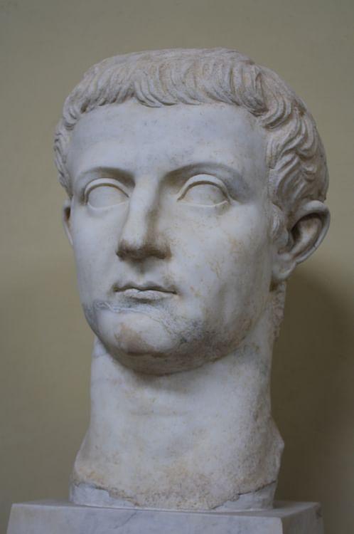 Büste von Kaiser Tiberius im Vatikan