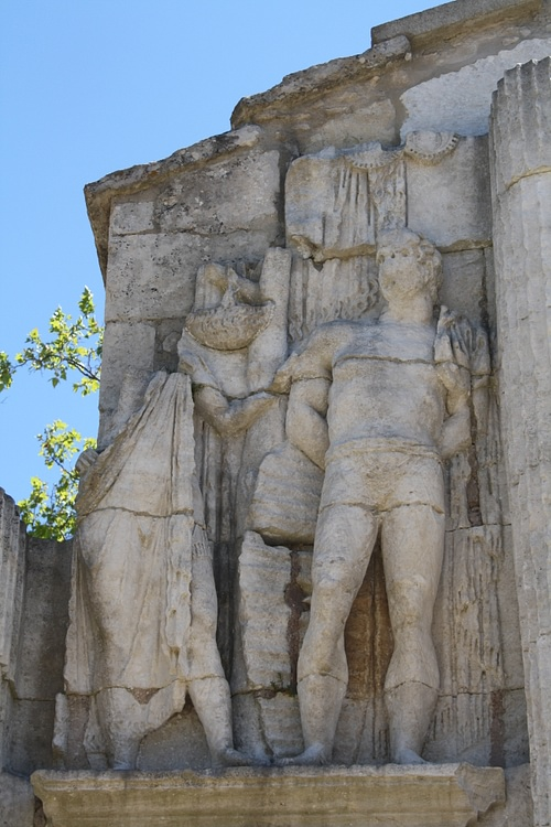 Enslaved Gaul, Arch of Glanum