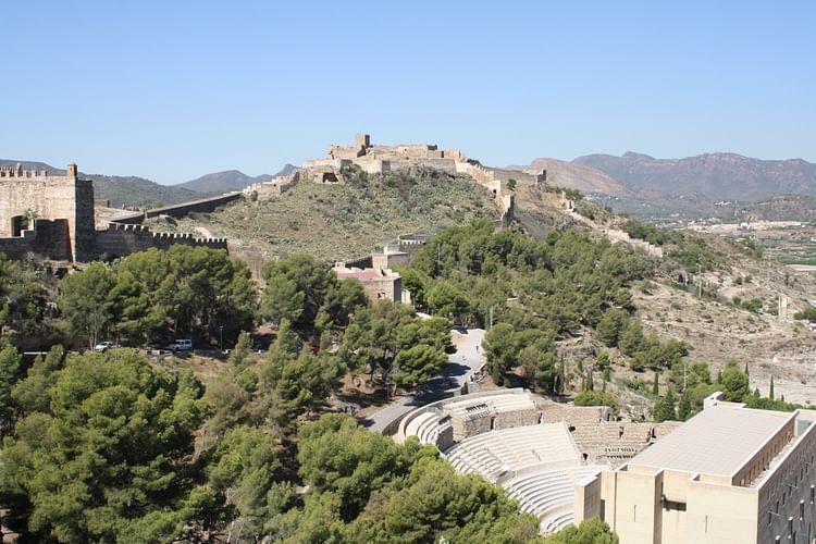 Acrópolis y teatro de Saguntum ()