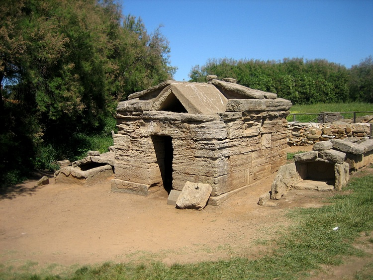 Etruscan Tomb at Populonia (AlMare)