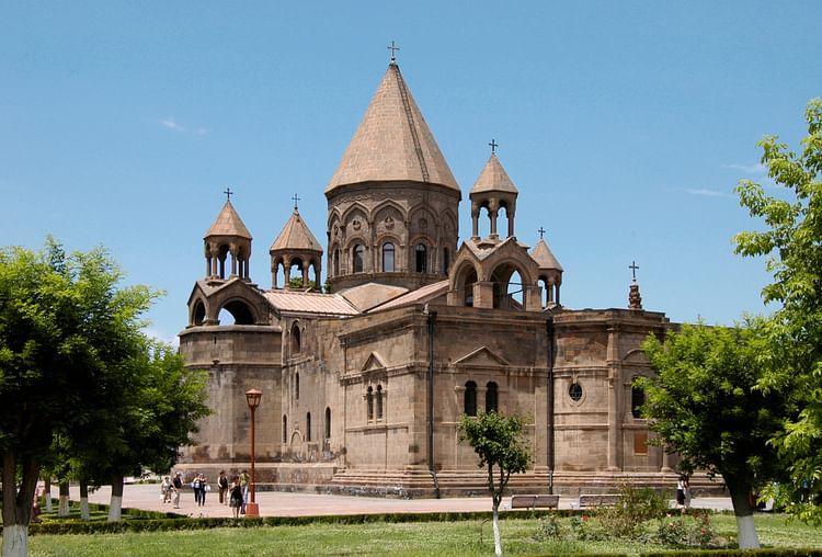 Etchmiadzin Cathedral (Areg Amirkhanian)