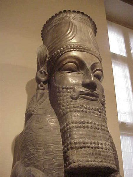 Columna Capital, Persépolis (Mary Harrsch (fotografiada en el Instituto Oriental, Univ. Of Chicago))