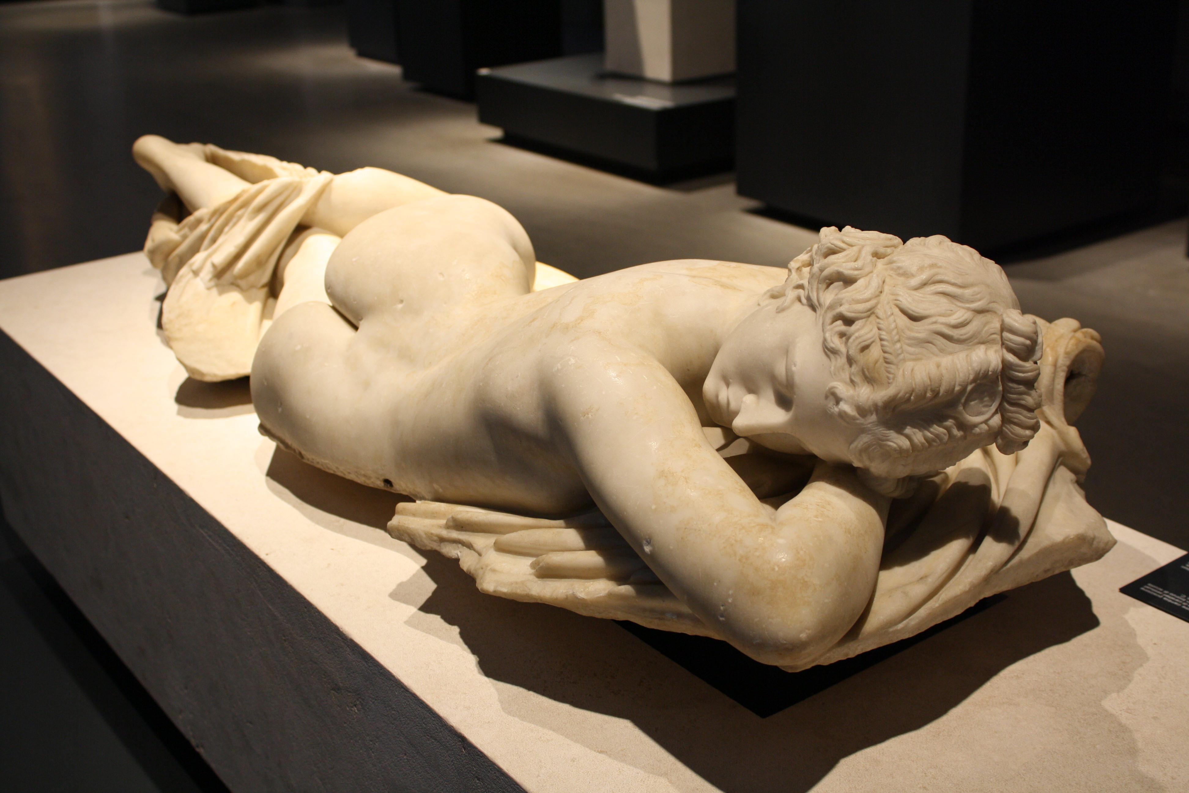 Hermaphrodite Meet Claudette,