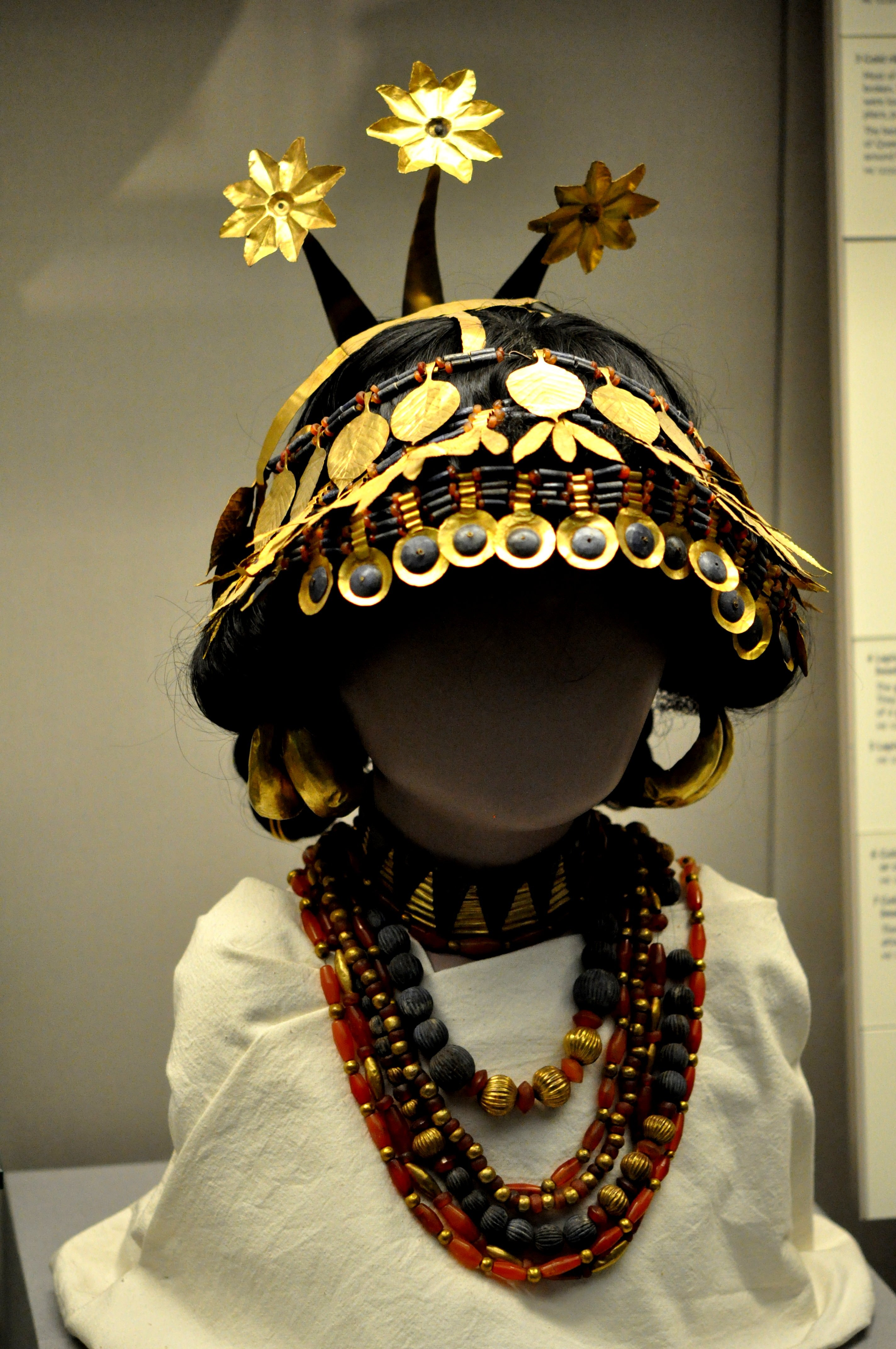 Headdress And Necklaces From The Royal Cemetery Of Ur