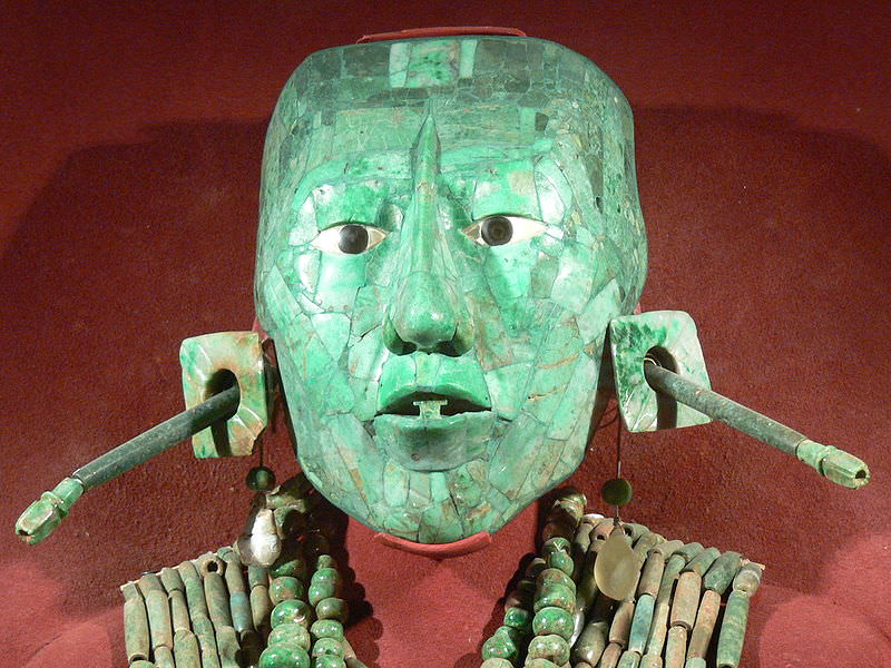 Maschera funeraria del re maya Pacal. Fonte: Wikipedia