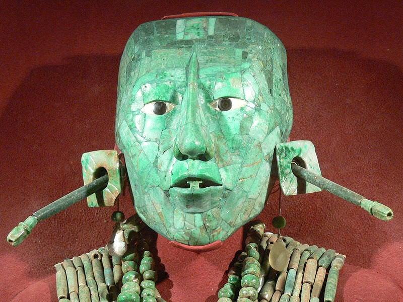 Resultado de imagen para Pakal jade jewelry