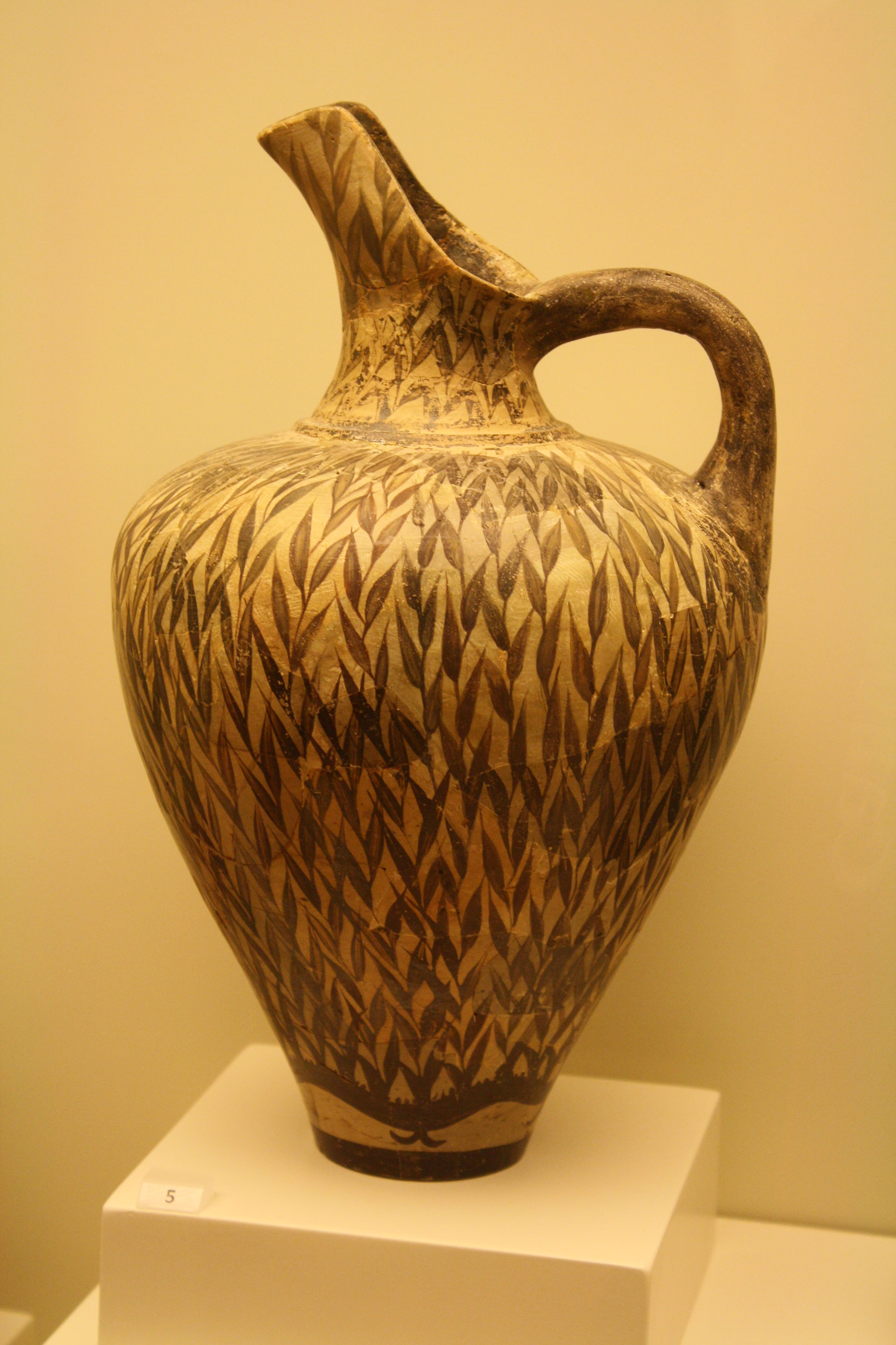 Minoan pottery article ancient history encyclopedia minoan jug in floral style reviewsmspy