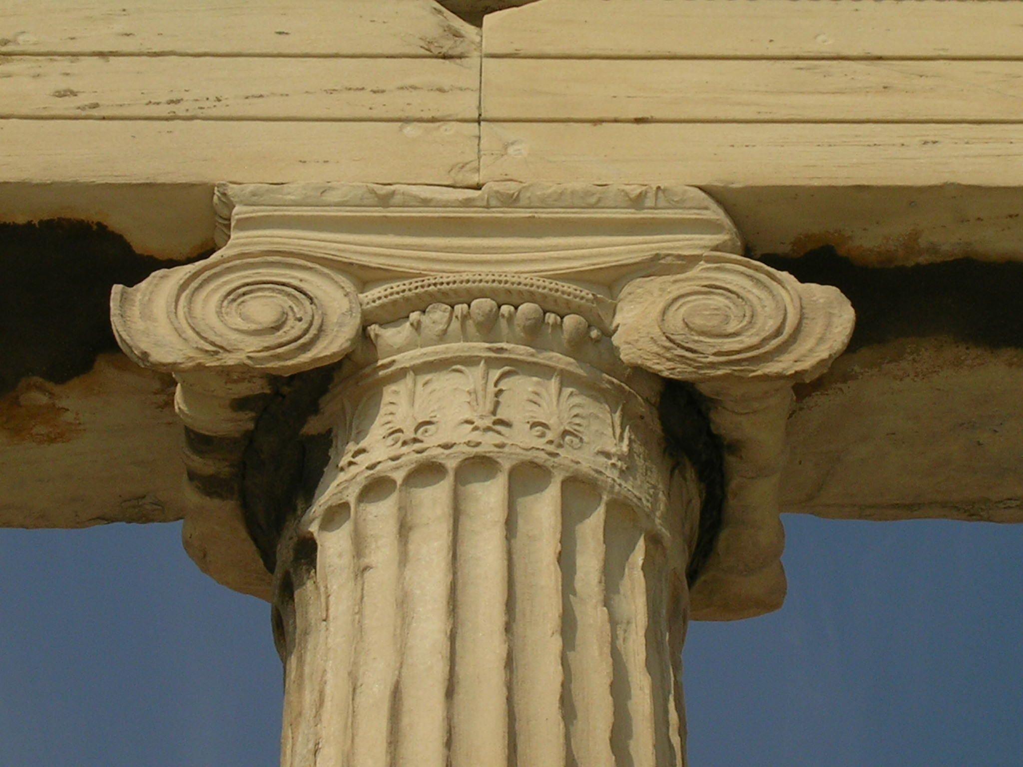 Ionic columns wall decor