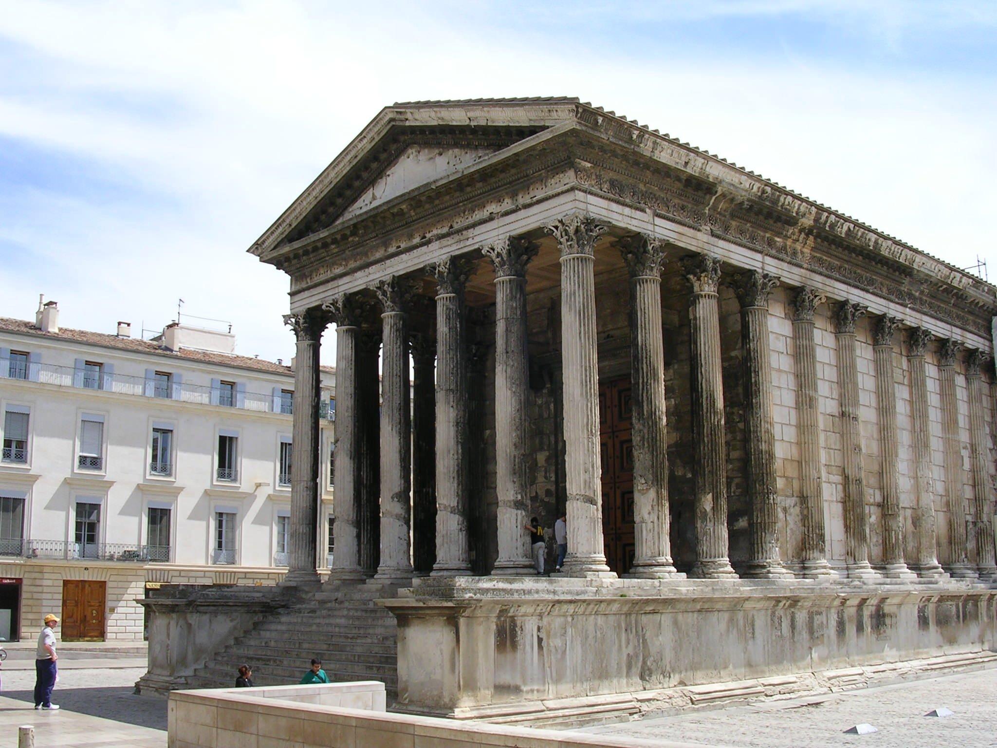 Ancient roman architecture buildings