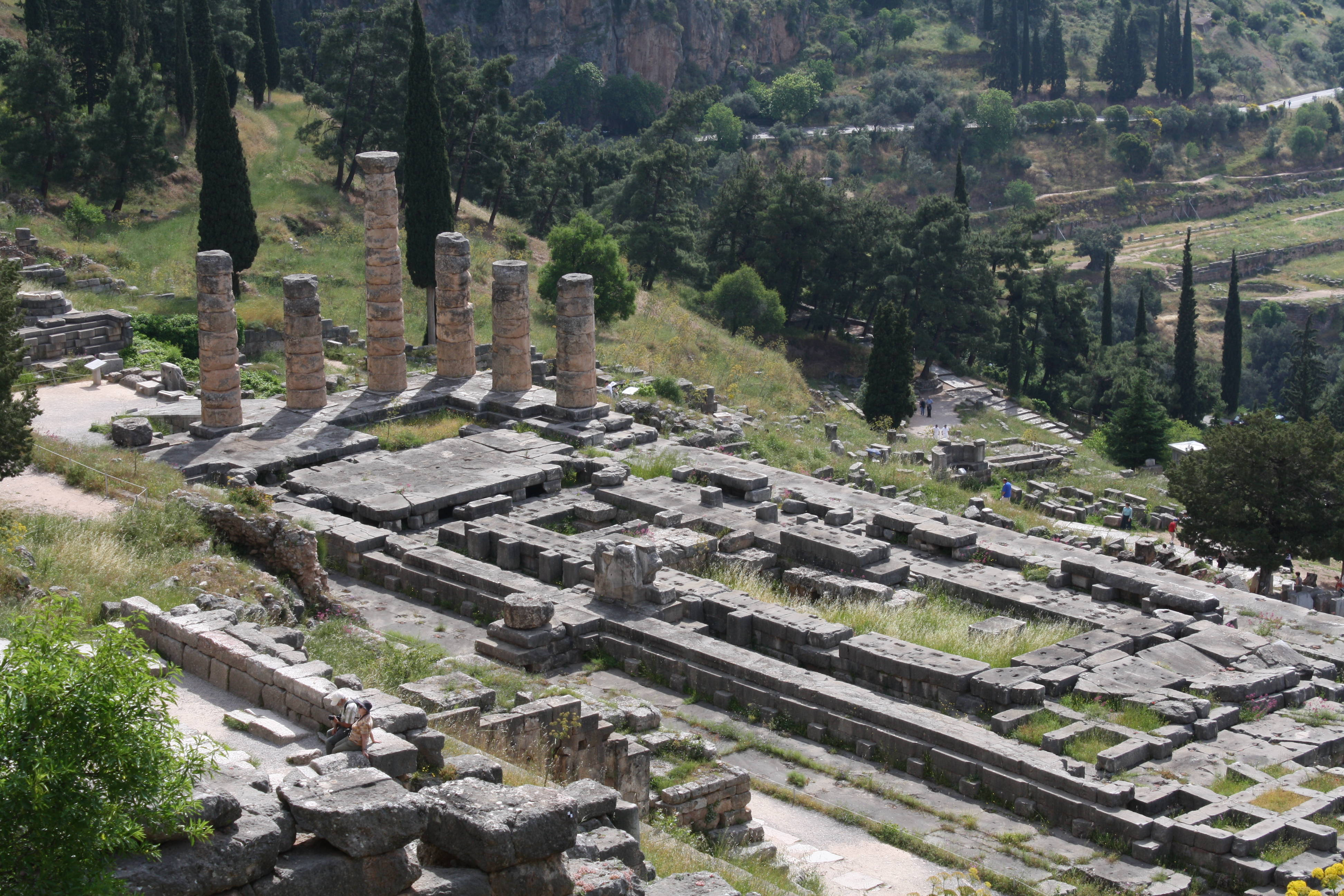 a look at the ancient temple of apollo at delphi History at the foot of mount parnassos, within the angle formed by the twin rocks of the phaedriades, lies the pan-hellenic sanctuary of delphi, which had the most famous oracle of ancient.