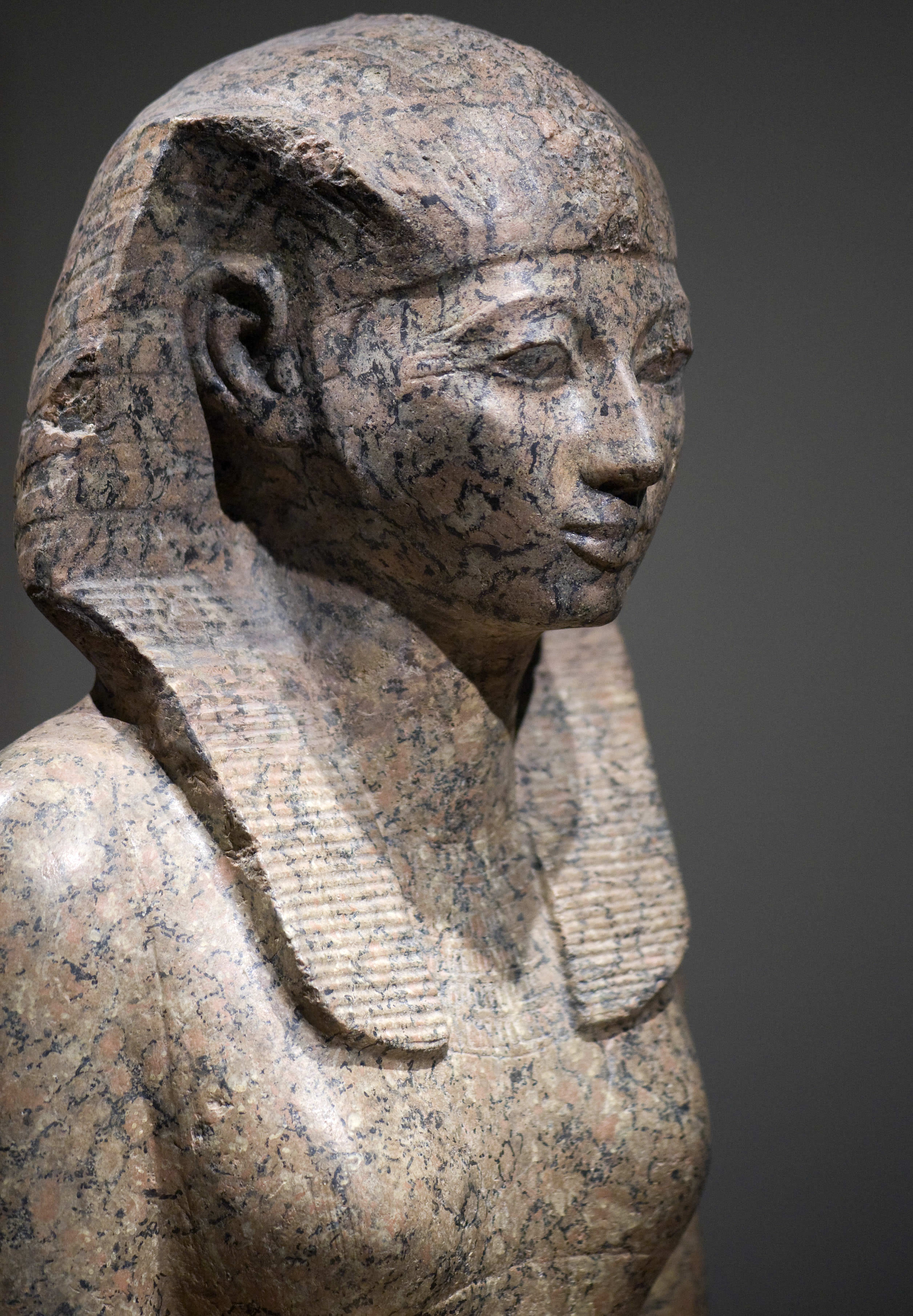 Stone statue of queen hatshepsut of egypt reigned 1479–1458 bc