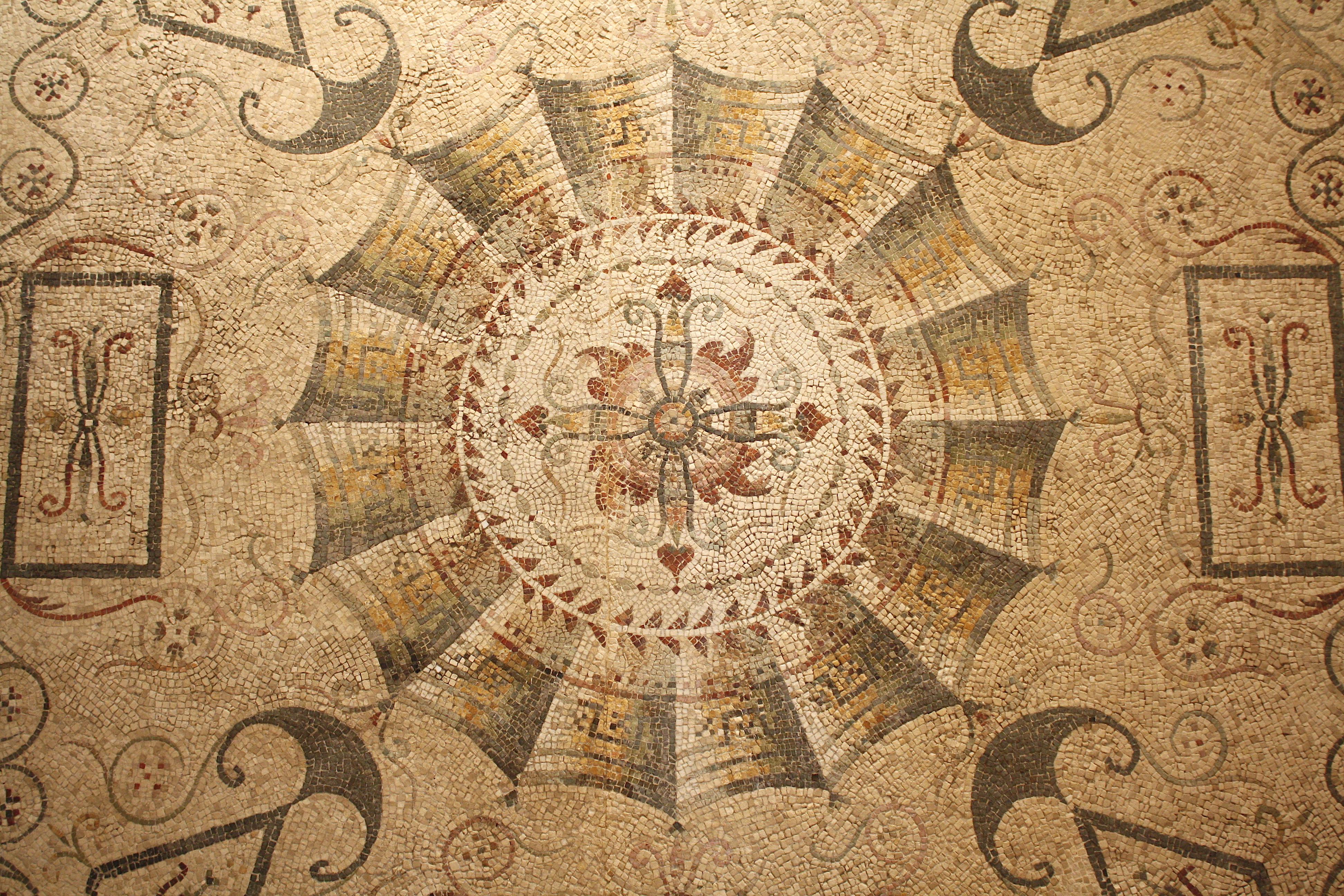 Geometrical Mosaic, Tarentum