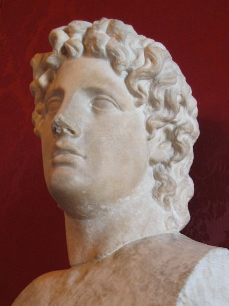 a biography of alcibiades an athenian aristocrat With the turn of athenian popular opinion against alcibiades, critias probably followed alcibiades into exile in 406 bc here the term amateur clearly refers to critias' aristocratic background in the sense that aristocrats by nature are  amateurs--or perhaps more accurately those who do not take money for their work.