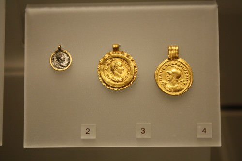 Roman Gold Pendants