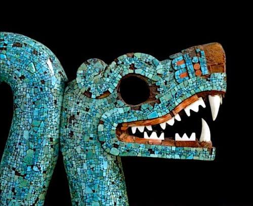 Serpente de cabeça dupla asteca (detalhe)