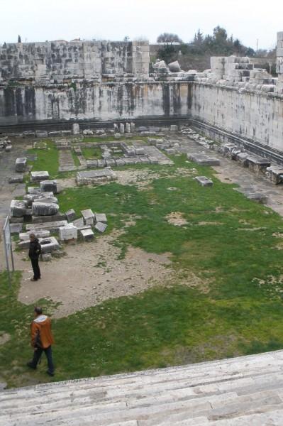 Dentro del templo de Apolo en Didyma