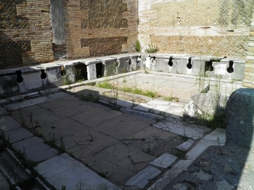 Letrina romana, Ostia