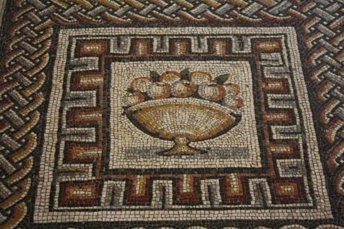 Fruto, mosaico romano