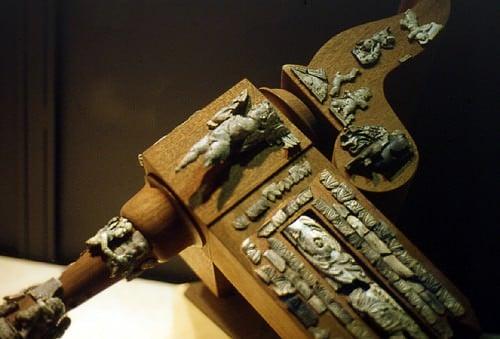 Cupidos de marfil cremados de un diván fúnebre, Roma