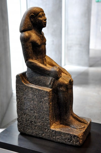 Statue of Sesheshen-sa-Hathor