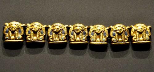 Cadena con cabezas Hathor
