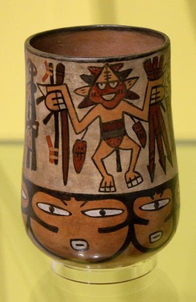 Jarrón de Nazca con Dancing Male
