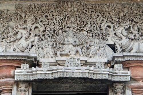 Garuda en el templo de Chennakesava, Belur
