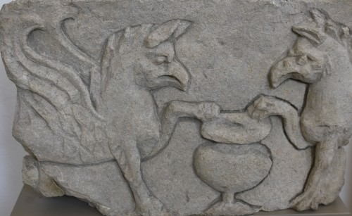 Griffin Relief, Arausio