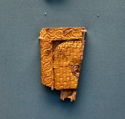 Nimrud Ivory Piece con recubrimiento dorado