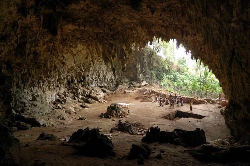 Caverna Liang Bua