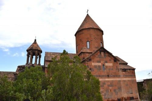 Vista de la iglesia de San Astvatsatsin en el monasterio de Khor Virap
