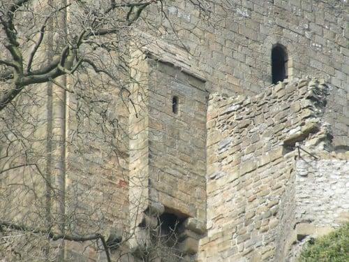 Garderobe, Peveril Castle